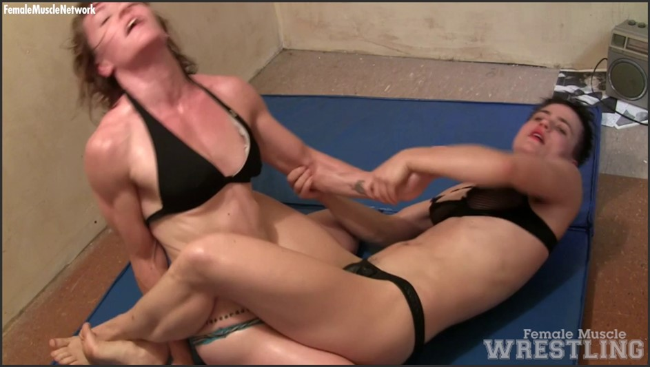 VeVe and Orlandoe - It's a Girl/Girl Wrestling Match. Want To Join?