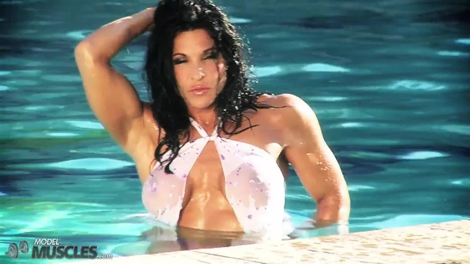 Sexy Tracy Daniels posing in pool